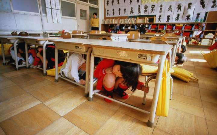 Active shooters in school drill - Kids are hiding under tables